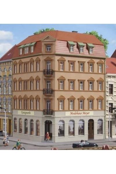 Auhagen 11447 Жилой угловой дом Schmidtstrasse10 200 х 152 х 225 мм 1/87