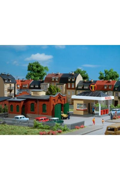 Auhagen 12227 Заправочная станция и автомастерская Н0/ТТ