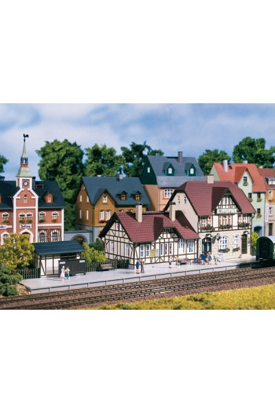 Auhagen 13321 Вокзал Moorbach  356 x 120 x 100 mm 1/120