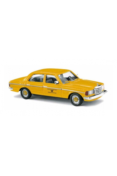 Busch 46867 Автомобиль Mercedes-Benz W123 Deutsche Post Epoche IV-V 1/87
