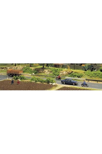 Busch 6022 Оргаждения для авто дороги 90см и 32 разделительных столба 1/87