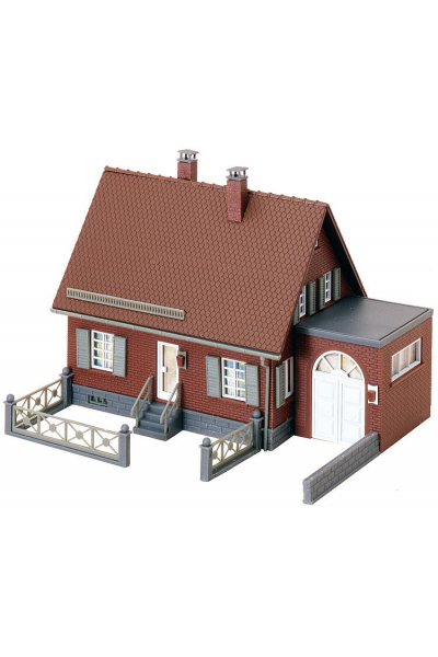 Faller 130216 Сельский кирпичный дом 1/87