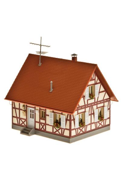 Faller 130222 Фахверковый дом с гаражом 1/87